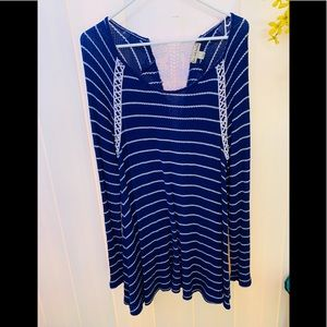 Women's blue long sleeve tunic top